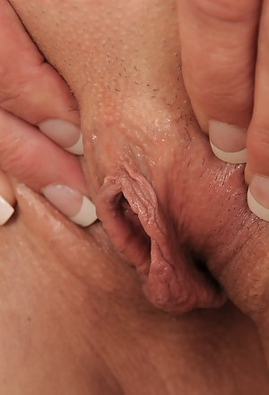 Free MILF Close Up Porn Pictures